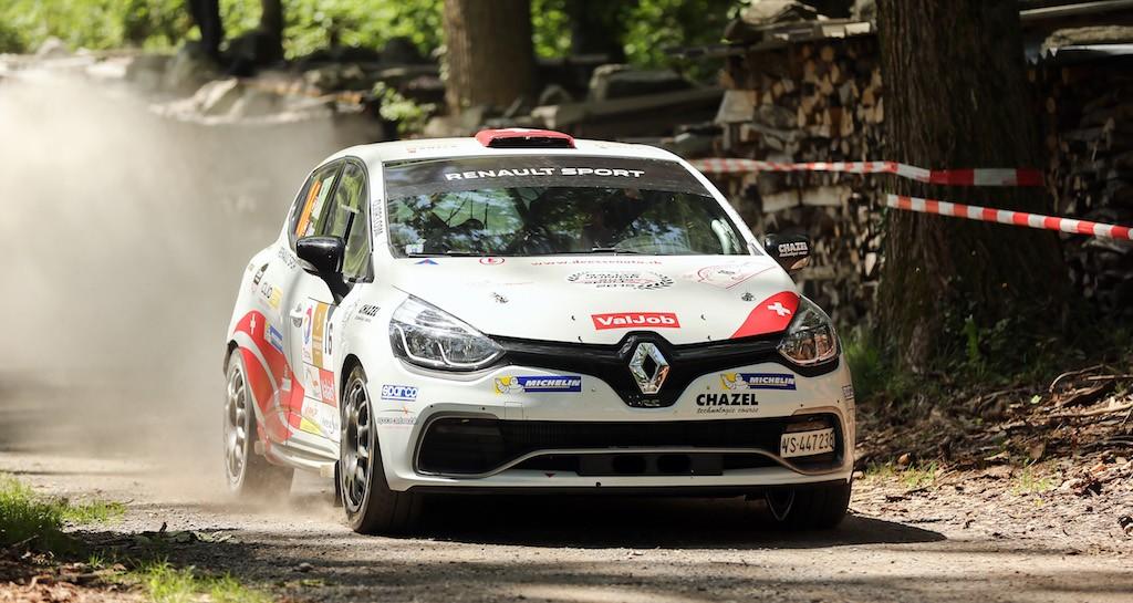Cédric Althaus - Jessica Bayard consolident leur place de leader du Clio R3T Alps Trophy avec cette victoire chablaisienne (photo @project-diffusion.ch)